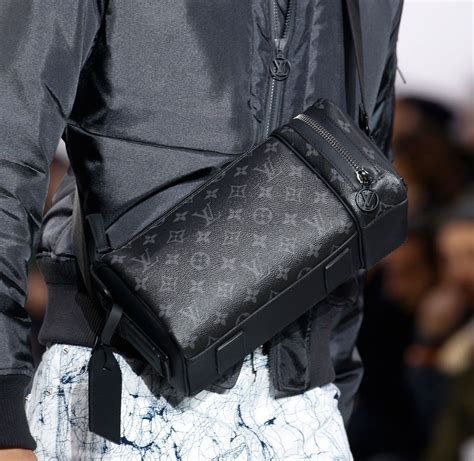 louis vuittons  fall  mens bags include   black  grey damier called damier