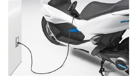 Honda Pcx 2018 Tokyo Motor Show by Tokyo Motor Show 2017 Honda Pcx Electric Scooter Unveiled