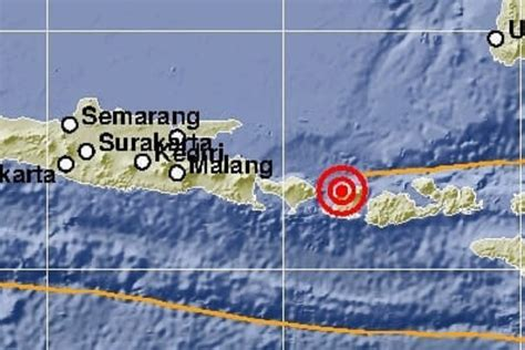 earthquake hits lombok rattles bali