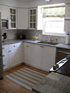 backsplash in kitchen pictures 2x4 white subway tile gray grout xenon 4266