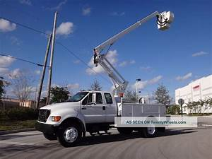 2002 Ford F750 Duty Bucket Truck