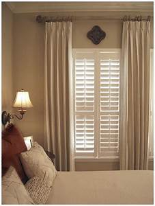 Window treatments ideas window treatment bedroom for Bedroom window treatments
