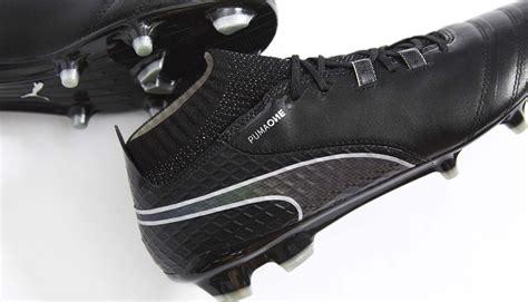 la chaussure puma   en mode black  iridescent