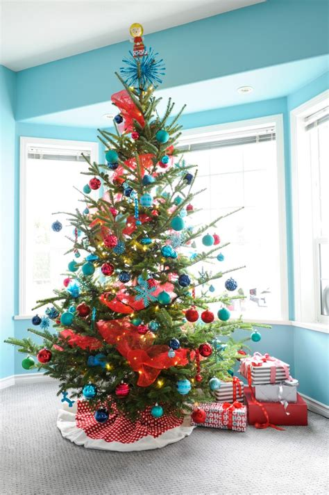 turquoise and red christmas decor tour of elizabeth bill s home killam the true colour expert