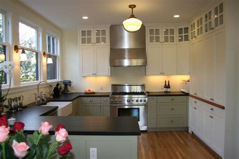 contrasting kitchen cabinets the contrasting cabinet colors add a lot of personality 2555