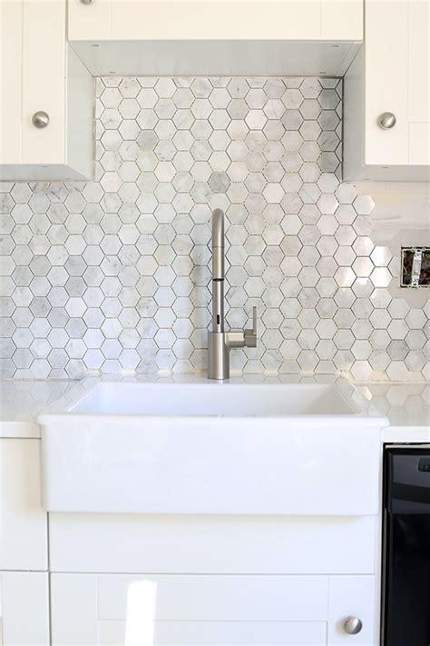 Marble Tile Kitchen Backsplash by How To Install A Marble Hexagon Tile Backsplash Home