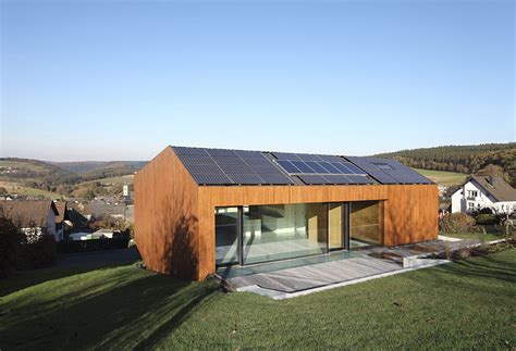 +Energy House: Pollution Free Construction and Quadruple