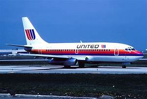 File:United Airlines Boeing 737-222; N9075U, April 1990 ...