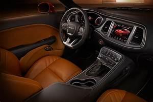 2015 Dodge Challenger SRT First Look Photo Gallery - Motor ...