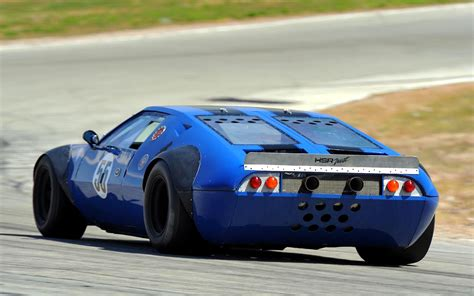 De Tomaso Performance Sports Car Pictures and History