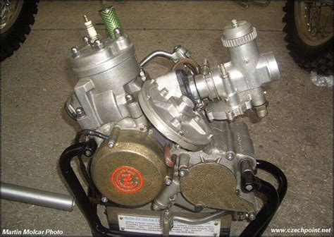 Why Isn't The Rotary Valve Two-stroke Used By Anybody