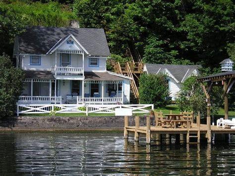 lake cottage rentals cayuga lake charming cottage maisons 224 louer 224 ithaca