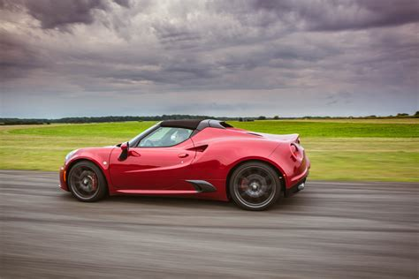 Fiat Alfa Romeo 4c by Alfa Romeo 4c Will Get A Much Desired Update Next Year