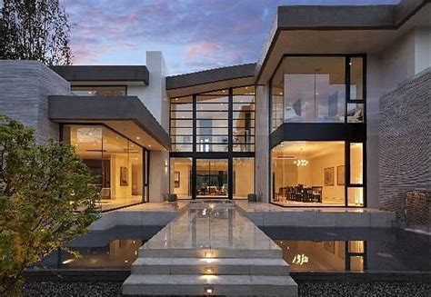 mansion home plans 13 5 million newly built modern mansion in los angeles