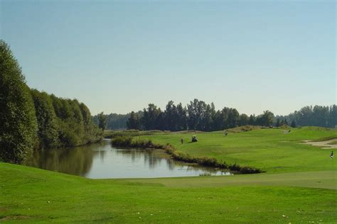 crowfield golf  country club charleston attractions