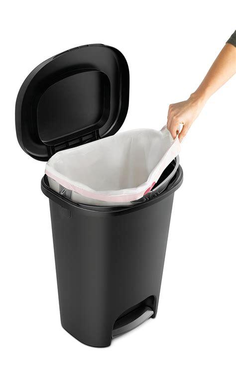 galleon rubbermaid step  wastebasket  gallon black