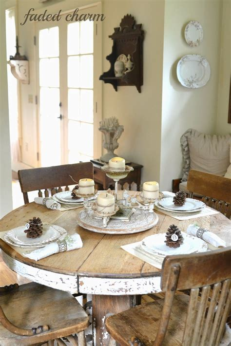 table setting   rustic  cottage tablescape   inviting cottages pinterest rounding shabby  country living