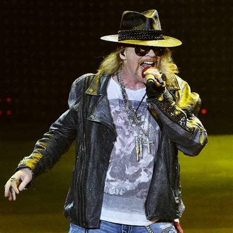 axl rose still alive axl rose confirms death hoax makes joke about paying