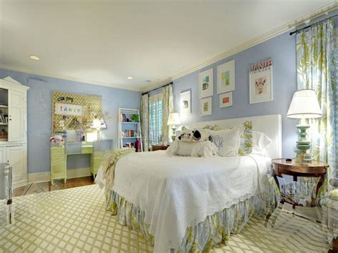 Blue White Bedroom Design by Blue White Bedroom Interior Design Ideas