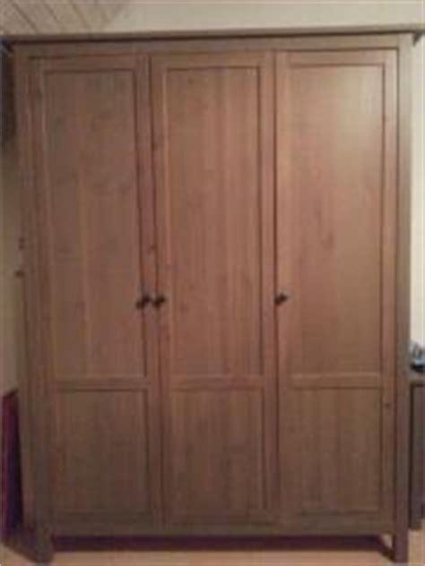 Ikea Kleiderschrank Dunkelbraun by Hemnes Kleiderschrank Haushalt M 246 Bel Gebraucht Und