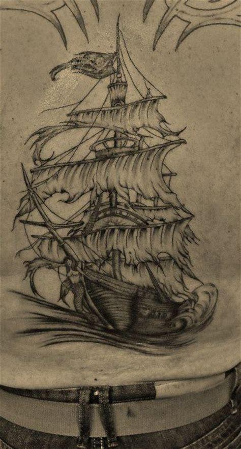 Signification Dessin Bateau by Tatouage Bateau Pirate Tatoo Pinterest Pirates Et