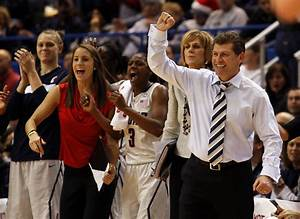NCAA Tournament: Connecticut To Face Syracuse In Women's ...