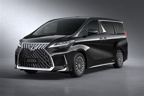 lexus lm   luxury minivan  executives