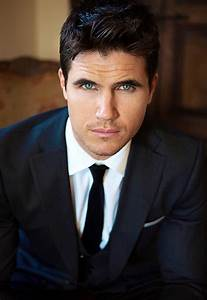 26 best Robbie Amell images on Pinterest | Eye candy, Sexy ...