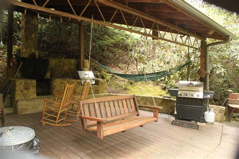 covered pit brown mountain lodge and creekside cozy cabin rentals