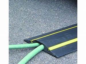 Passage De Cable Au Sol : prot ge c ble passage des v hicules gamme volga bandes ~ Dailycaller-alerts.com Idées de Décoration