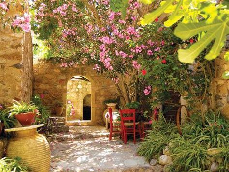 italian courtyard garden design ideas italian courtyard garden tuscan garden pinterest