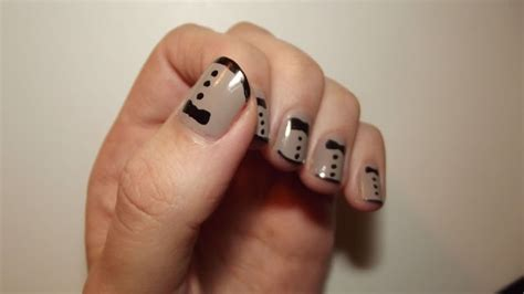 Zooey Deschanel Golden Globes Inspired Tuxedo Nails