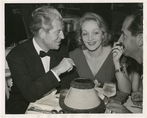 jean gabin et marlene dietrich marlene dietrich et jean gabin lors d un gala 1941