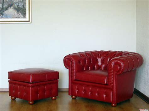 Poltrona Rossa Nei Sogni : Pouf Chesterfield In Pelle Con Contenitore, Anche Su Misura