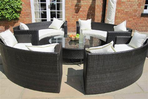 Rattan Garten by Oakita Rattan Garden Furniture Circular Sofa Set