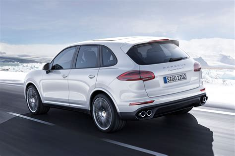 It also comes with standard led headlights equipped with porsche's dynamic. 2016 Porsche Cayenne GTS, Turbo S Review