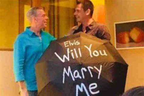 Radio Host Elvis Duran Gets Engaged Boyfriend Top