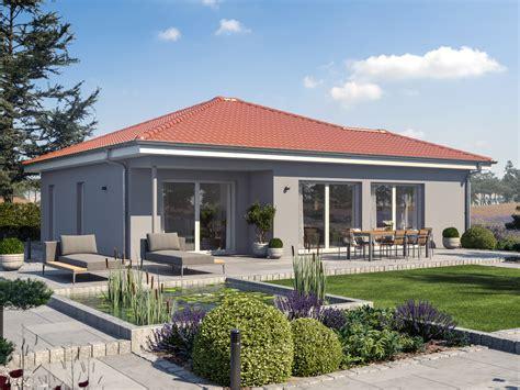 Haus Bauen by Fertighaus Bungalow Ambience 77 V3 Mit Walmdach Bien