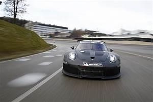 Porsche 911 Rsr 2017 : 2017 porsche 911 gt3 rsr revealed ahead of daytona 24 debut gtspirit ~ Maxctalentgroup.com Avis de Voitures