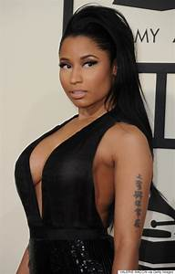 Nicki Minaj's Grammy Dress 2015 Shows Off Her Cleavage The ...