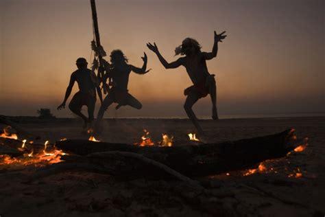 aboriginal dancers arnhem land australia art wolfe