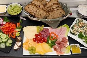 Party Buffet Ideen : brotzeit ideen aufstriche und rezepte brotzeit pinterest tapas party party buffet and snacks ~ Markanthonyermac.com Haus und Dekorationen