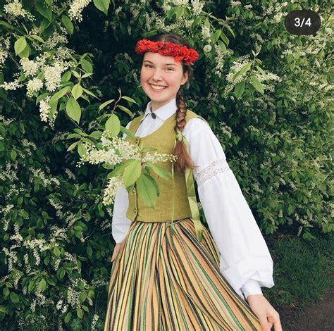 Latviešu tautas tērps | Victorian dress, Fashion, Costumes