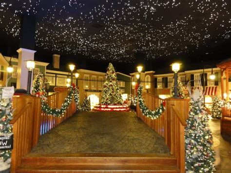 theme parks  decorate   holidays