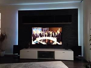Steinwand Wohnzimmer Tv : steinwand tapete im wohnzimmer raum und m beldesign inspiration ~ Bigdaddyawards.com Haus und Dekorationen