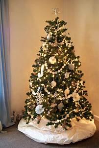 Sapin Floqué Blanc : charmant sapin de noel decoration blanc 6 faith home love oh christmas tree digpres ~ Melissatoandfro.com Idées de Décoration