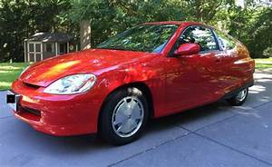 Manual  Low Mileage 2001 Honda Insight Up For Auction