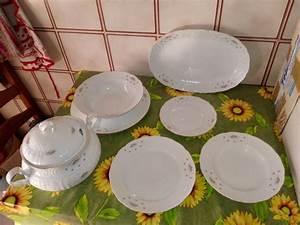 Service Vaisselle Porcelaine : service de vaisselle en porcelaine d occasion ~ Teatrodelosmanantiales.com Idées de Décoration
