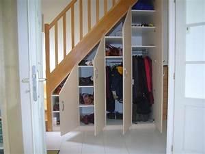 les 25 meilleures idees de la categorie sous les escaliers With good escalier peint 2 couleurs 6 les 25 meilleures idees de la categorie escalier
