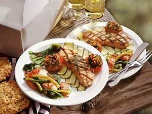 Lachs Vom Grill : lachs vom grill mit gem se und garnelen salat rezept eat smarter ~ Frokenaadalensverden.com Haus und Dekorationen